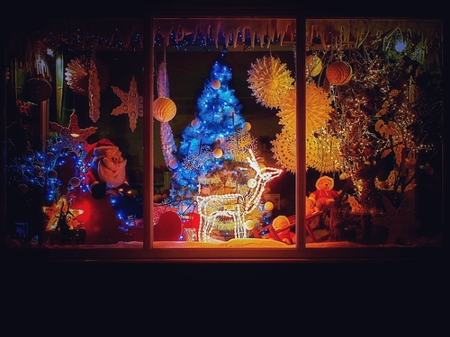 Electrical installations for Christmas retail